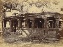 Long pillared hall between two temples, Balod, Raipur District